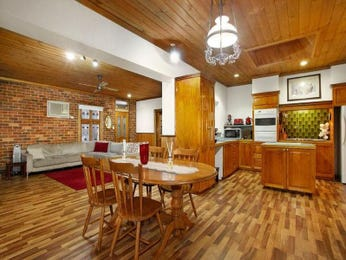 Photo of a dining room design idea from a real Australian house - Dining Room photo 8438773