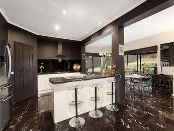 Modern open plan kitchen design using marble - Kitchen Photo 8021301
