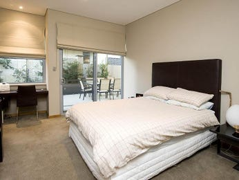 Classic bedroom design idea with leather & bi-fold doors using white colours - Bedroom photo 418085
