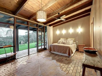 Photo of a bedroom idea from a real Australian house - Bedroom photo 2258933