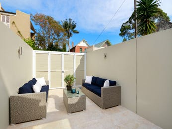 Outdoor living design with retaining wall from a real Australian home - Outdoor Living photo 7723185
