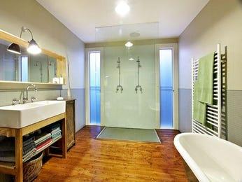 French provincial bathroom ideas in blue green red and yellow - Red and yellow bathroom ideas ...