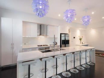 Chandelier in a kitchen design from an Australian home - Kitchen Photo 6938373