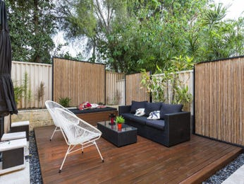 Outdoor living design with deck from a real Australian home - Outdoor Living photo 16749297
