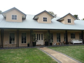 Photo of a bluestone house exterior from real Australian home - House Facade photo 496437