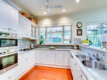 Country Galley Kitchen Designs With Breakfast Bar