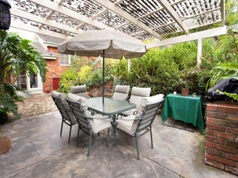 Outdoor living design with bbq area from a real Australian home - Outdoor Living photo 470078