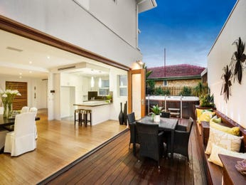 Outdoor living design with deck from a real Australian home - Outdoor Living photo 8488781