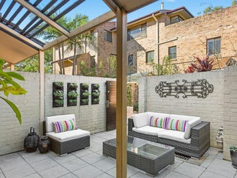 Outdoor living design with pergola from a real Australian home - Outdoor Living photo 15543205