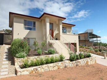 Photo of a stone house exterior from real Australian home - House Facade photo 276305