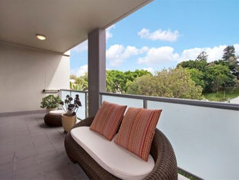 Outdoor living design with balcony from a real Australian home - Outdoor Living photo 920883