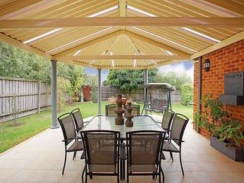Indoor outdoor outdoor living design with verandah for Verandah designs in india