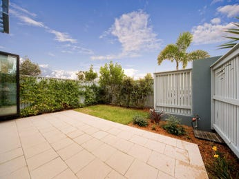 Photo of a low maintenance garden design from a real Australian home - Gardens photo 280038