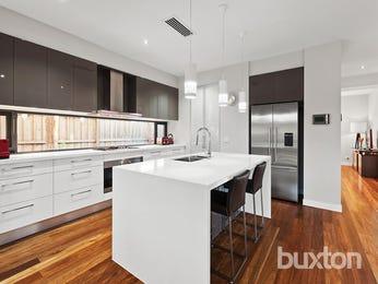 Modern open plan kitchen design using floorboards - Kitchen Photo 17032285
