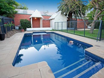 Photo of a geometric pool from a real Australian home - Pool photo 766523
