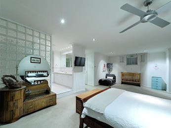 White bedroom design idea from a real Australian home - Bedroom photo 8900169