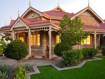 Photo of a brick house exterior from real Australian home - House Facade photo 281351