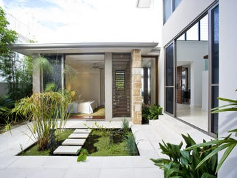 Outdoor living design with fish pond from a real Australian home - Outdoor Living photo 597308