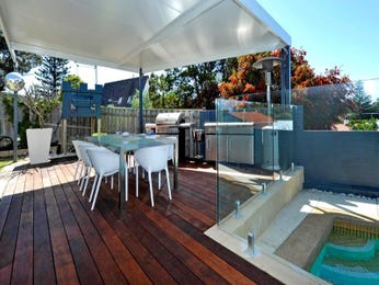 Enclosed outdoor living design with deck & outdoor furniture setting using tiles - Outdoor Living Photo 1430855