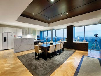 Modern dining room idea with carpet & bar/wine bar - Dining Room Photo 284753