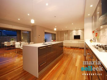 Modern island kitchen design using floorboards - Kitchen Photo 435990