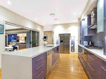 Modern open plan kitchen design using floorboards - Kitchen Photo 17499169