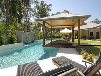 Photo of a geometric pool from a real Australian home - Pool photo 385194