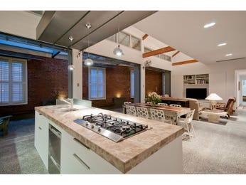 Country island kitchen design using tiles - Kitchen Photo 1161000