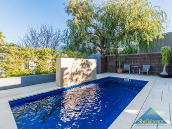 Photo of swimming pool from a real Australian house - Pool photo 15956493