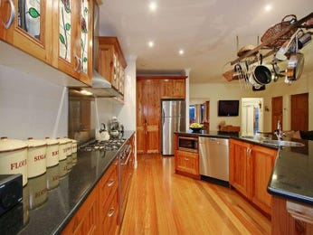 Classic galley kitchen design using floorboards - Kitchen Photo 1484360
