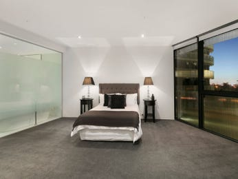Grey bedroom design idea from a real Australian home - Bedroom photo 7277313