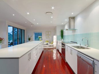 Modern galley kitchen design using floorboards - Kitchen Photo 606443