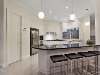 Chandelier in a kitchen design from an Australian home - Kitchen Photo 8663153
