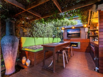Outdoor living design with bbq area from a real Australian home - Outdoor Living photo 15412553