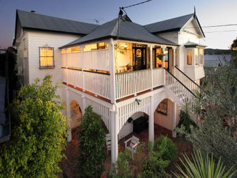 Outdoor living design with balcony from a real Australian home - Outdoor Living photo 1526990