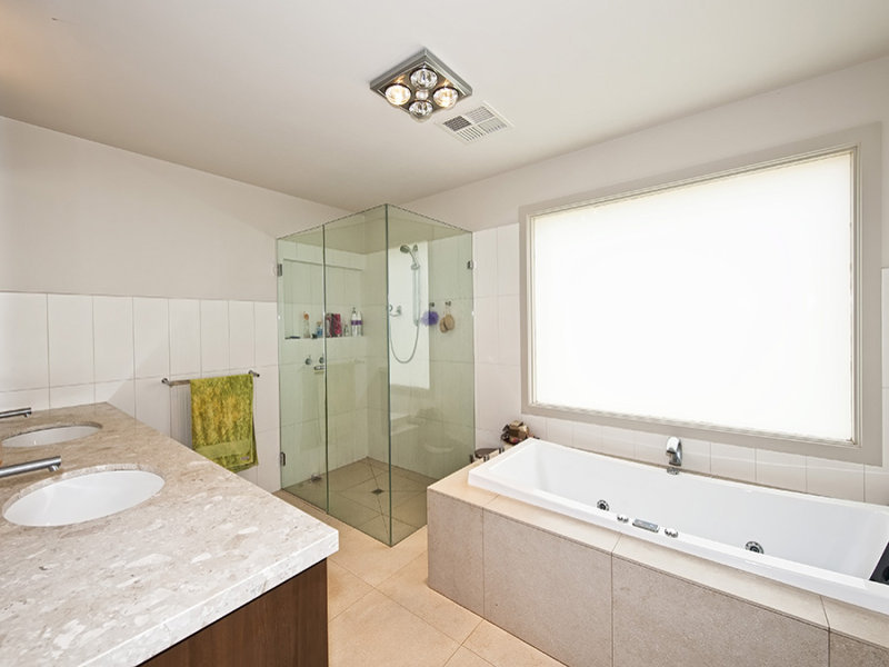 Glass In A Bathroom Design From An Australian Home   Bathroom Photo 470273