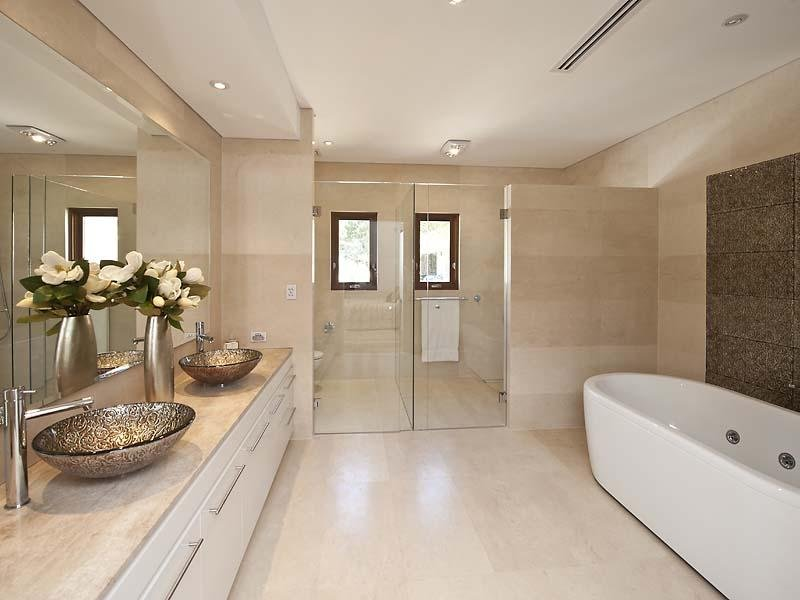 Modern Bathroom Design With Spa Bath Using Ceramic Bathroom Photo