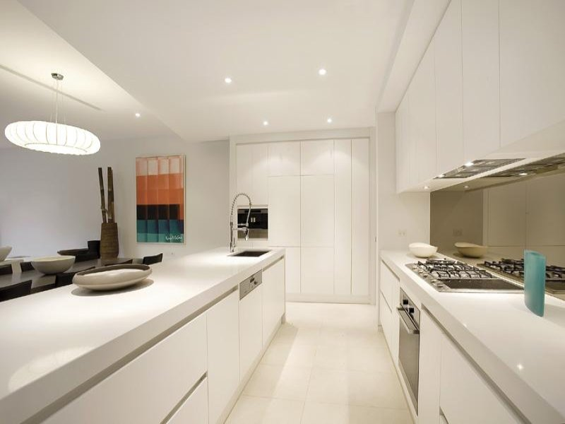 Down lighting in a kitchen design from an Australian home - Kitchen Photo 424780