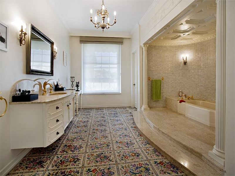 Retro bathroom design with recessed bath using marble for Bathroom remodel 63367