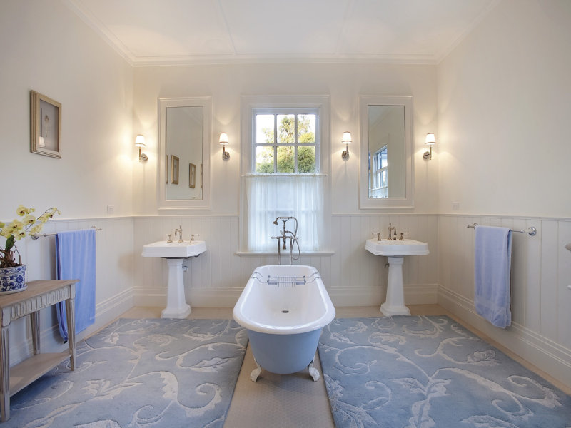 Decorative lighting in a bathroom design from an Australian home - Bathroom P...