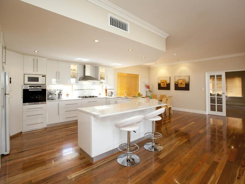 Classic open plan kitchen design using hardwood kitchen for Open plan kitchen ideas