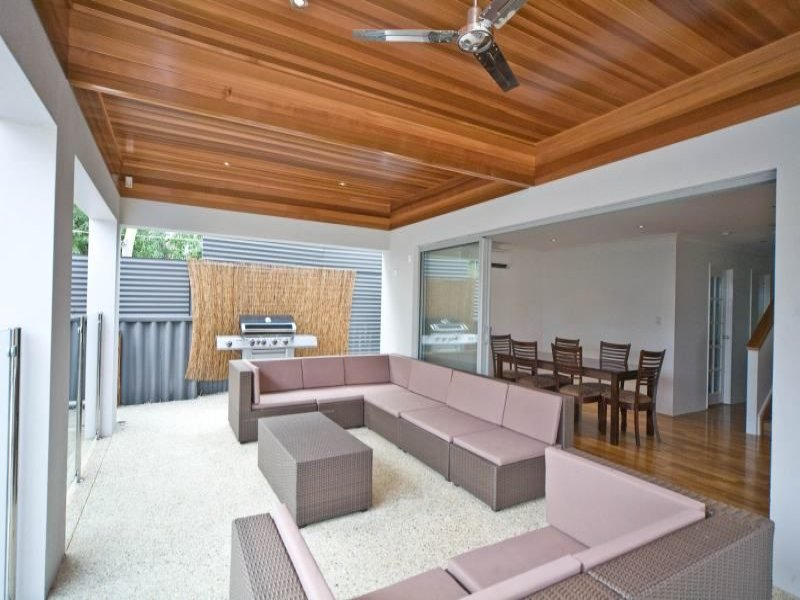 Outdoor living design with bbq area from a real Australian home - Outdoor Living photo 360874