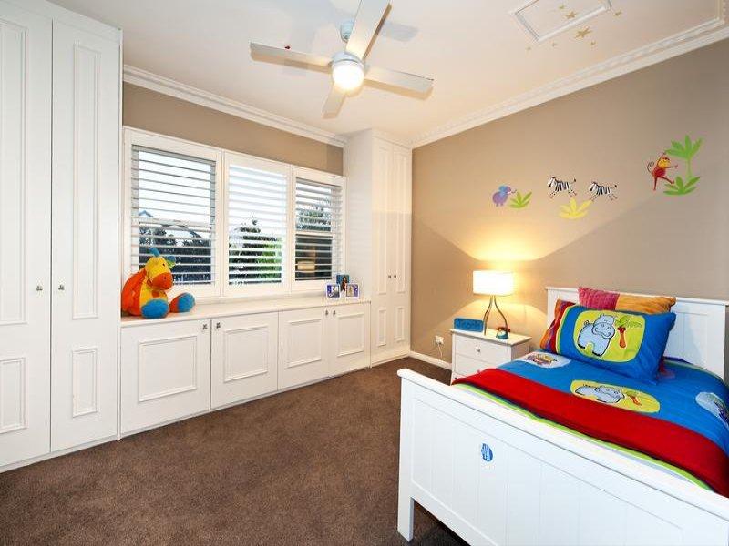 Children 39 S Room Bedroom Design Idea With Carpet Built In
