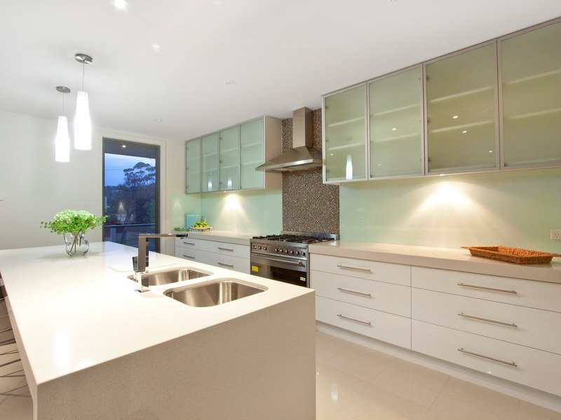 Modern Open Plan Kitchen Design Using Tiles Kitchen Photo 165359