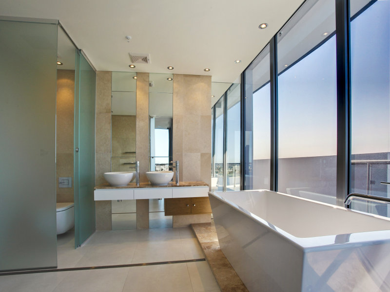 Modern Bathroom Design With Floor To Ceiling Windows Using Frameless Glass Bathroom Photo 166112