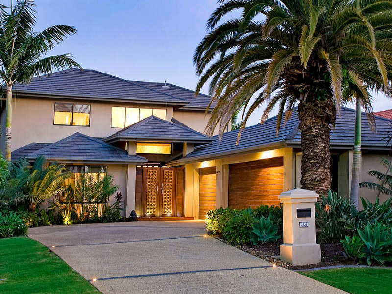 Photo of a tiles house exterior from real australian home for Exterior house facade ideas