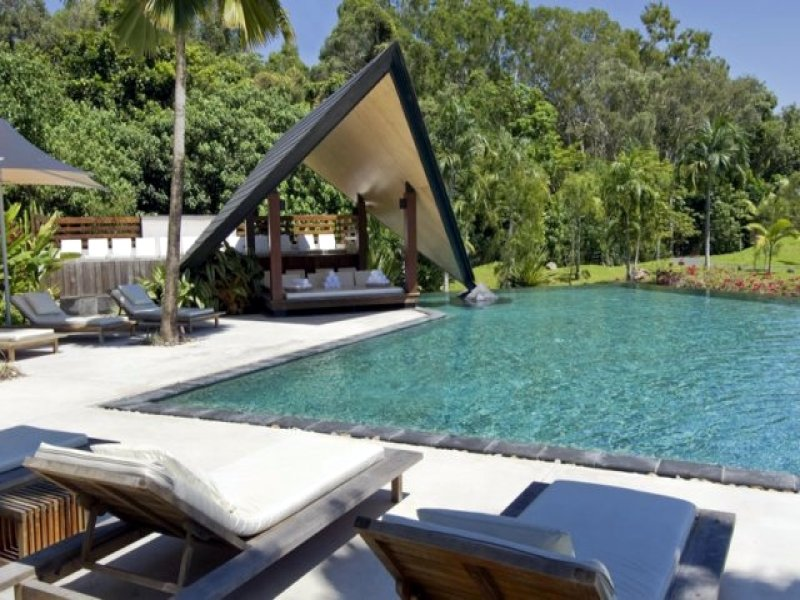 Swim spa pool design using tiles with verandah outdoor for Swimming pool surrounds design