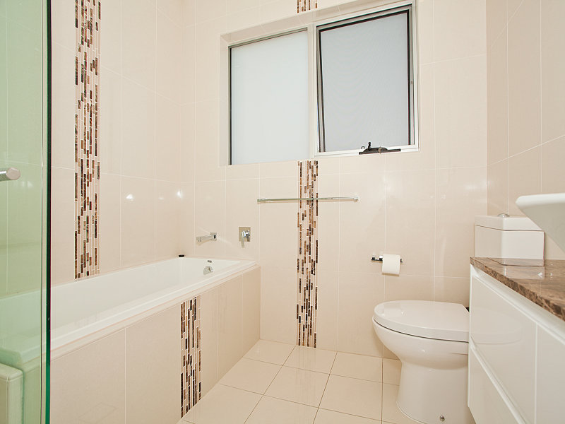 Glass In A Bathroom Design From An Australian Home   Bathroom Photo 281533