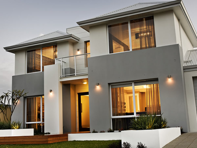 Photo of a timber house exterior from real australian home for Modern house exterior paint colours