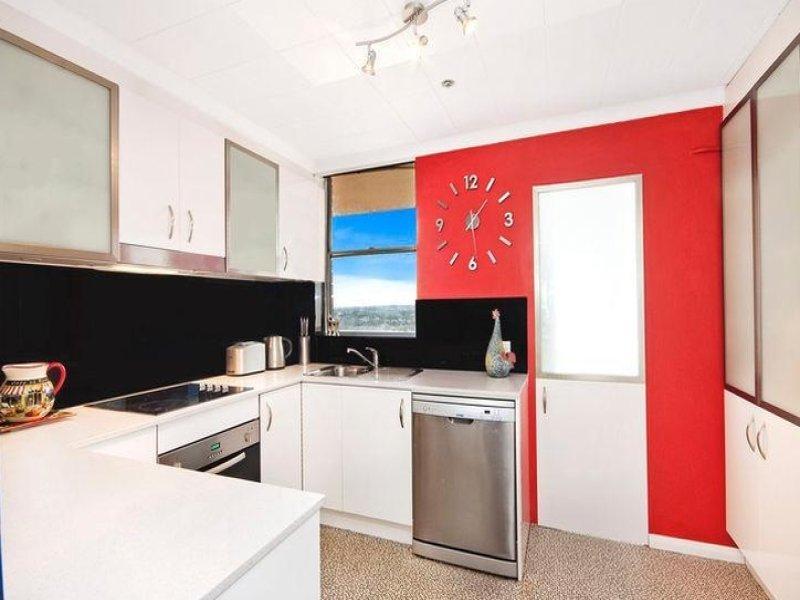 Modern u shaped kitchen design using marble kitchen for Modern u shaped kitchen designs